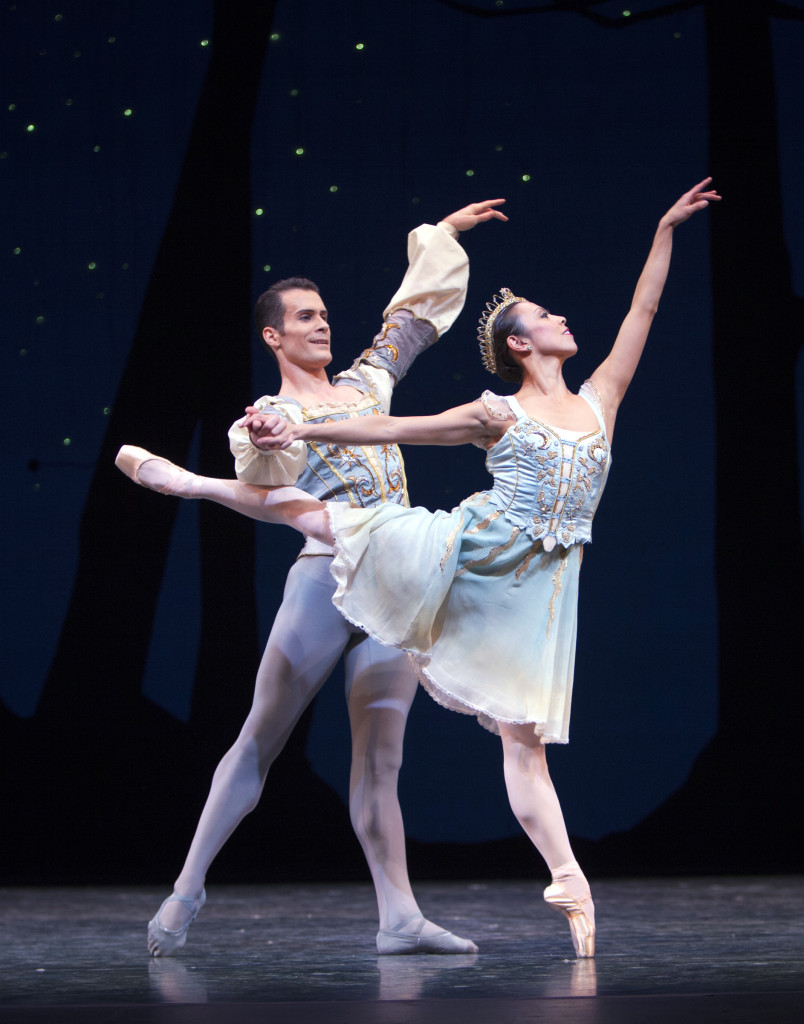 Seth Orza and Kaori Nakamura dance the Divertissement pas de deux in A Midsummer Night's Dream
