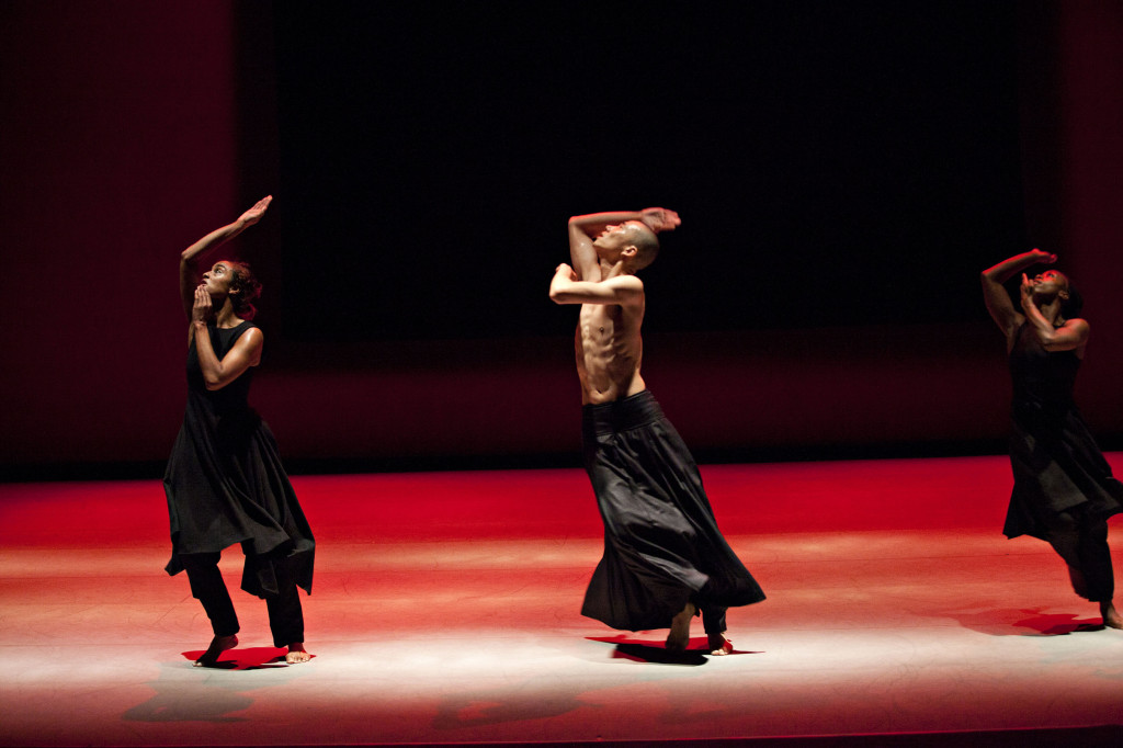 Akram Khan Company in Kaash Photo © Jean Louis Fernandez