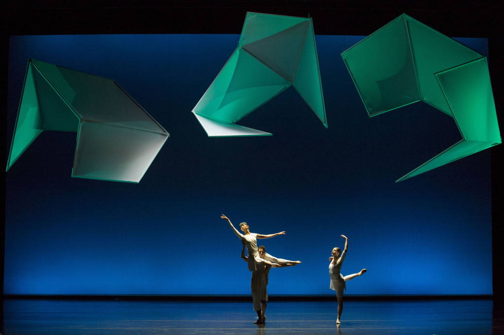 Tesseracts of Time by Jessica Lang Dance Co. Photo by Todd Rosenberg.