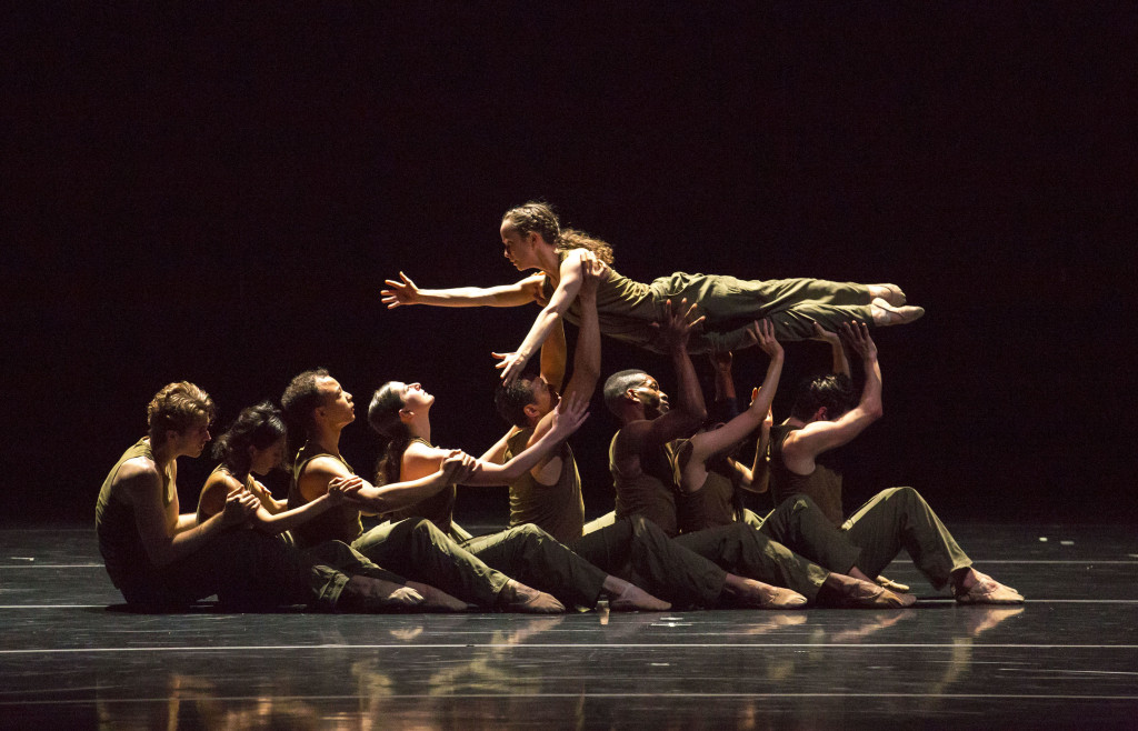 Thousand Yard Stare by Jessica Lang Dance Co. Photo by Todd Rosenberg.
